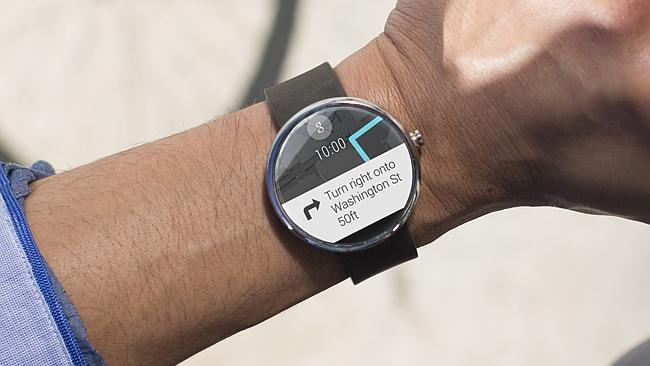 Moto 360 begins to update to Android Wear 5.1